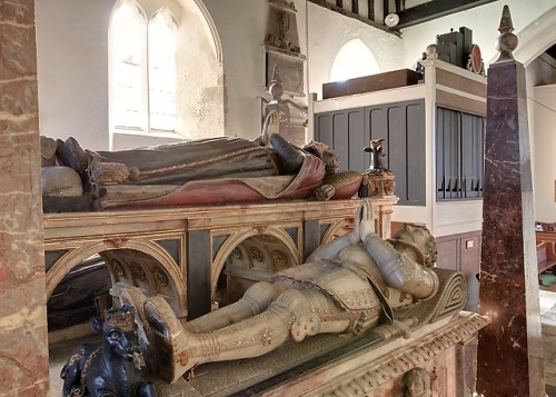 The second Earl of Southampton's tomb effigy on the Wriothesley Monument in St Peter's Church, Titchfield. The effigy above his is his mother's. Photo by Mike Searle, via Wikimedia Commons.